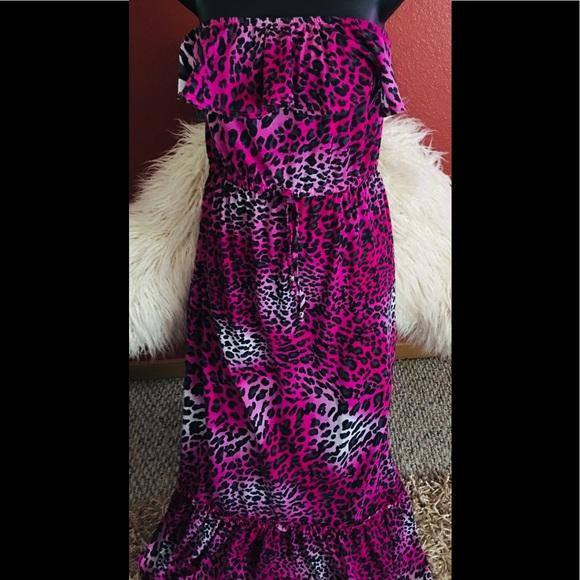 Catalina Dresses & Skirts - Catalina strapless dress